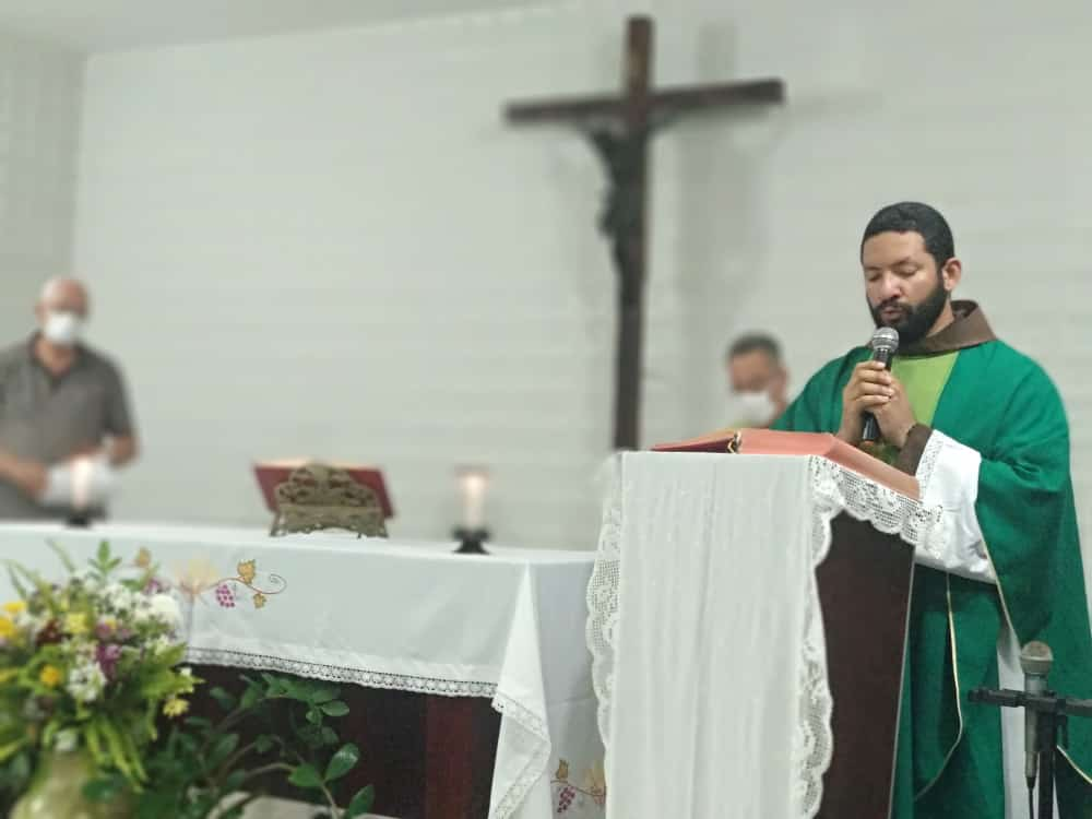 Missa na Capela do HTRI marca 67 anos da unidade e retomada de atividades